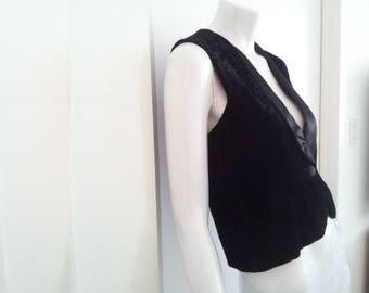 Black Velvet Vest 90s Vintage Tuxedo Vest Satin Lapels Floral Flocked Cut Velvet Small Boho Victorian Waistcoat Renaissance Festival Vest 80