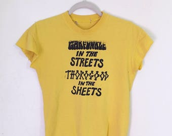 STREETS SHEETS - Yellow Slashed Cropped T