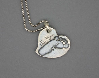 footprint jewelry|footprint necklace|mom necklace|mommy|footprint|silver footprint|memorial jewelry|baby foot|mom