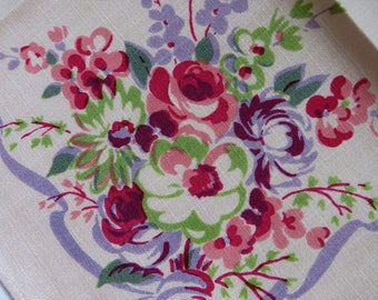 Vintage Floral Napkins - Set of 6 - Pink Lavender Green Bouquet of Flowers 1940s Cotton Table Linens Shabby chic Country Cottage