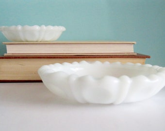 Vintage White Milk Glass Dish Plates Jewelry Holders Collectible Home Decor set 2