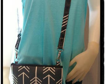 Arrows - Small Crossbody