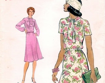 Lovely Vintage 1970s Very Easy Vogue 9150 Half Size A Line Dress with Tie Neck Sewing Pattern B39