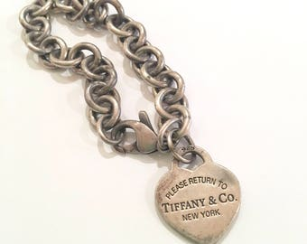 Tiffany & Co. 925 Heart Charm Bracelet Engraved Isabel Link Designer Fine Jewelry Fashion Accessory