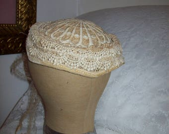Vintage 1950s Off White Hand Made Lace Pillbox Bridal Hat Only 8 USD