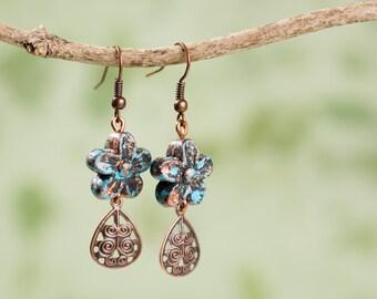 Rustic Daisy Petal Earrings. Copper & Turquoise.