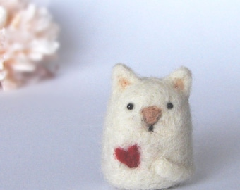Needle Felted Cat with a heart