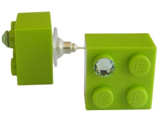 Light Green LEGO (R) brick 2x2 with a Green SWAROVSKI crystal on a Silver/Gold plated stud