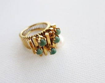 RESERVED- Vintage 14K Gold Ring with Small Green Stones and a Pearl (US Ring Size 5.5)