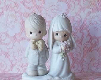 Beautiful Precious Moments Bride and Groom Figurine Wedding Cake Topper E 3114