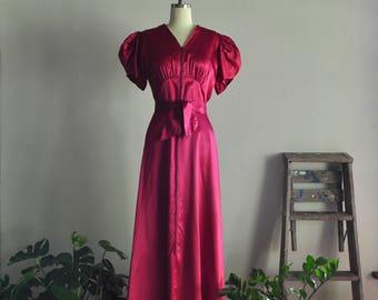 1940s dressing gown | raspberry macaron | vintage satin hostess robe