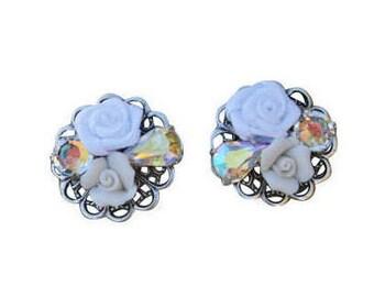 White Bridal Earrings, White Flower Cluster Earrings, White Collage Earrings, Floral Bridal Earrings,Collage Bridal Earrings,Flower Earrings