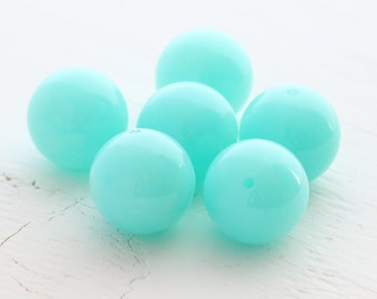 Vintage Lucite Round Beads - Large, Robin's Egg Blue - 21mm - 6 Beads