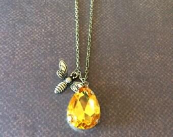 Honey Bee - Honey Bee Necklace - Honey Bee Jewelry - Honey Bee Gifts - Bee Necklace - Bee Jewelry - Bee Pendant - Amber Necklace - Amber