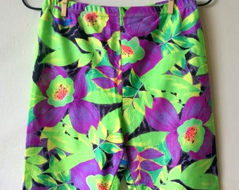 Colorful floral vintage workout shorts, 80s 90s running shorts, legging shorts, women thigh shorts, sports shorts, activewear M/L