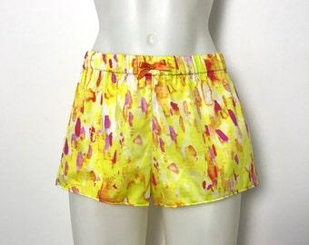 "Pyjama shorts in ""Dawn"" - colourful sleepwear - Desvalido x Studio Carragher"