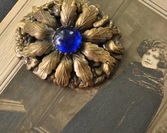 SALE - 1930s Flower Brooch