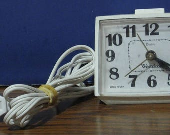 Westclox 1970s Vintage Dialite Analog Alarm Clock E54 / 55 - White - USA Made