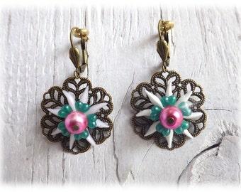 Chrysanthemum - earrings dangle vintage style with flower resin cabochon