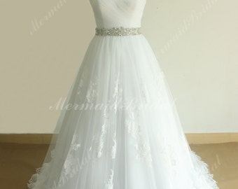 Romantic Ivory A line Tulle lace Wedding dress Vintage lace weddding dress with sweetheart and beading sash