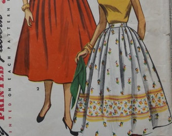 """Simple to Make Full Skirt with Unpressed Pleats, Waist 24"""" Hip 33"""" All 3  Pieces, Vintage 1950s Simplicity Sewing Pattern 4648"""