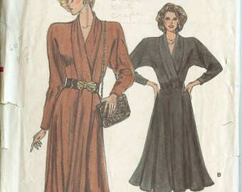 Very Easy Very Vogue 7036;  ©1987; Misses' Dress Sewing Pattern New Uncut