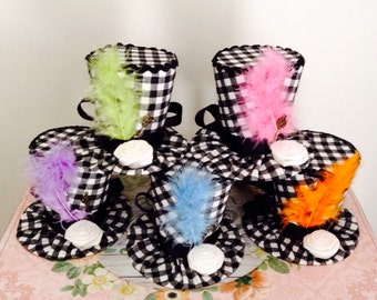 """Mad Hatter Mini Top Hats, Alice in Wonderland Decorations - 5 Whimsical Checkered Fascinators, Tea Party Props, Birthday (3.5"""" Tall)"""