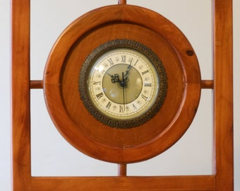Framed Quartz Movement Mantle or Shelf Clock