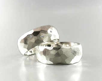Wedding ring SET faceted from sterling silver with 3 diamonds, solid wedding rings with a unique structure - handmade by SILVER LOUNGE