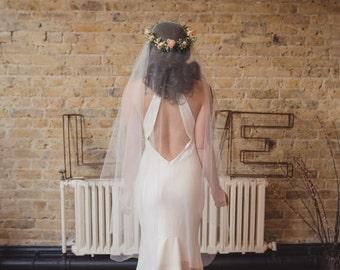 Juliet cap veil, boho veil, Kate Moss veil, 1920s veil, wedding veil, Juliet veil, cap veil, Gatsby, Downton, 1930s, tulle, raw cut edge