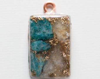 Orgone Energy, Power of the Sun, Dissipates clutter & Uplifting.