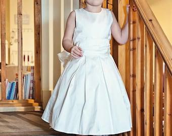 Bella, Flower girl dress - Ivory silk dupion - dupioni