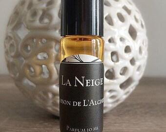 LA NEIGE Perfume Oil- Pink Grapefruit, Mandarin, Sweet Orange, Peru Balsam,Vanilla, Cardamom, Nutmeg, Clove, Natural Perfume, Essential Oil