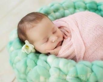 Wollkorb Newbornfotografie Hand gefärbt