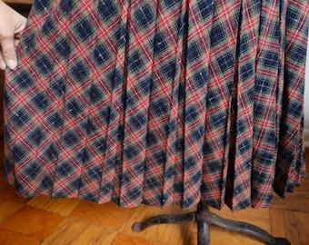 Large / Extra Large - Vintage Pleated Plaid Wool Skirt