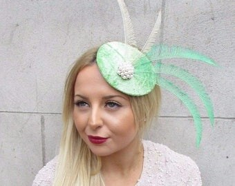 Light Green Ivory Cream Feather Statement Fascinator Races Hair Clip Vtg 2596