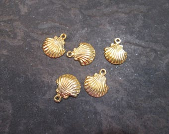 Large Gold Sea Shell Charms with antique gold finish Package of 5 charms perfect for adjustable bangle bracelets Beach theme charms