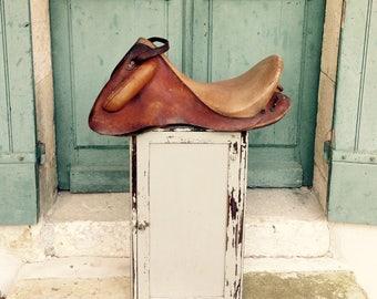 Fabulous antique french military training - vaulting saddle - fine English leather saddle