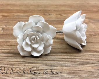 SET OF 2 - White Distressed Rose Resin Knobs - Large White Flower Drawer Pull - Decorative Knob - Upcycling Home Decor