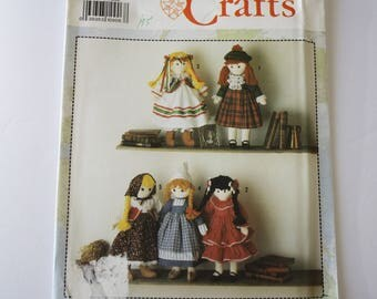 INTERNATIONAL Doll, 19'' high and Clothes Sewing Patterns, UNCUT Simplicity 7087, Scottish, Spanish, Polish, Dutch, Russian