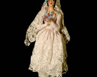 Spanish Bride Collectable Doll         GJ2611