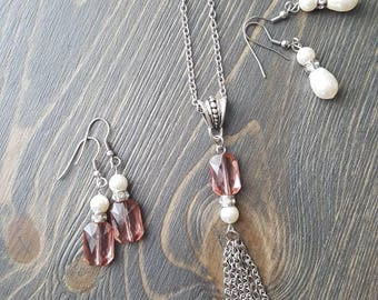Old pink Swarovski Crystal Necklace Pearl Swarovski and tassel in stainless steel.