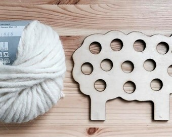 The sheep by dressing: game of push-hand work of Montessori inspired activities