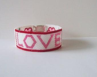 Beaded cuff bracelet , mothers day bead bracelet , Red white beadwork bracelet , Seed bead bracelet , bead woven bracelet , bead bracelet
