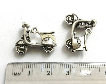 10 Scooter Charms, Vespa Charms, Scooter Pendant, Vespa Pendant, Motorbike charm, antique silver tone metal, 3D charm