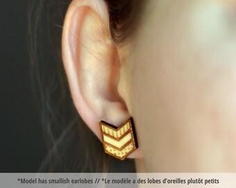 Chevron wood earring studs. -- wood chevron earrings, wood chevron studs, chevron earrings, chevron studs, HYPOALLERGENIC geometric earrings