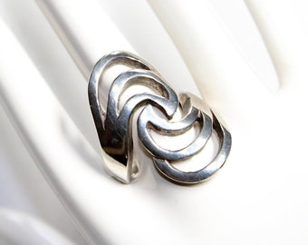 Sterling Silver Ring, Chunky Abstract Swirls Silver Ring - size US 5 UK J (c1970s)