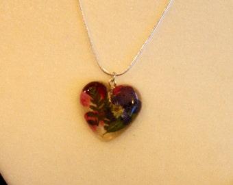 Flower heart pendant, resin flower pendant, flower necklace, resin necklace, mother's day necklace, made in canada, multicolor heart