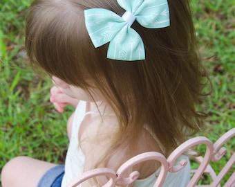 "Ready to ship! 4"" Mint green and white arrow print hair bow hairbow  boho"