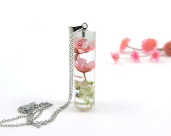 Resin Necklace with Real Pressed Flowers Botanical Jewelry Terrarium Necklace Plant Necklace Everyday Cylinder Necklace, Pink flower